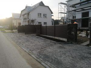 Varstomi žaliuzės vartai
