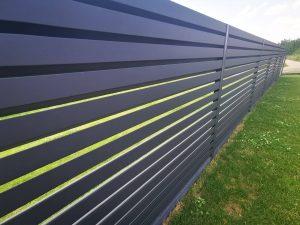 Rombo tipo žaliuzinė tvora