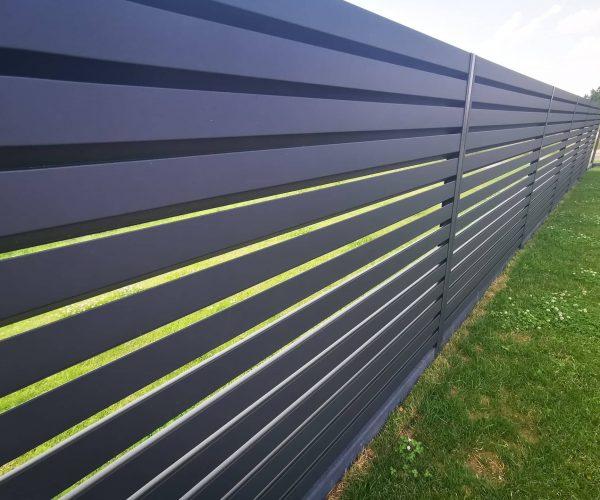 Žaliuzinė tvora, rombo tipo