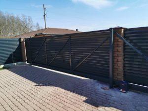 Storesnės skardos žaliuzinė tvora, 0.7mm